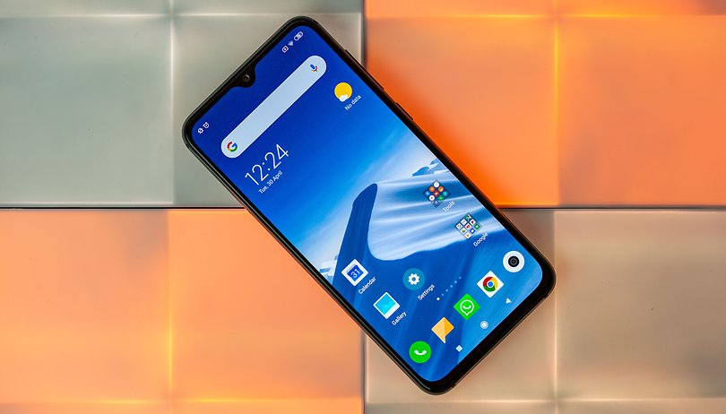 Xiaomi Mi 9 SE review: low on price, big on features