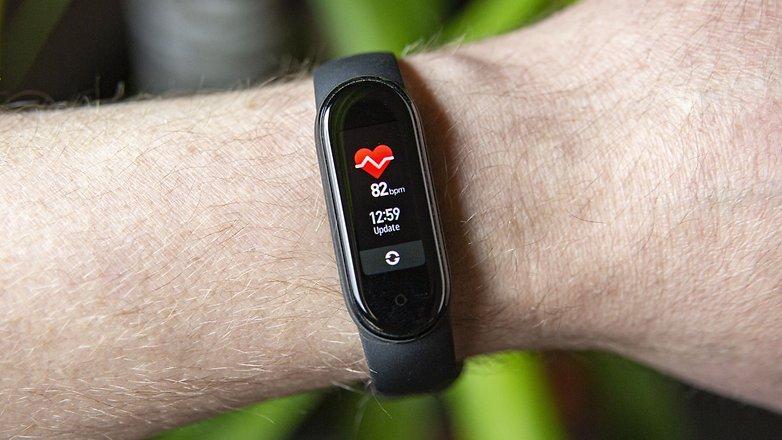 NextPit xiaomi mi band 5 heart rate