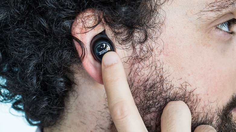 AndroidPIT zolo liberty earbuds button