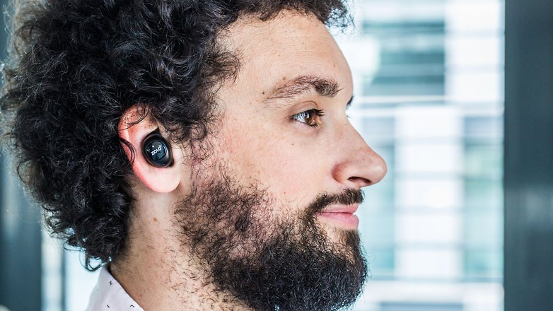 AndroidPIT zolo liberty earbuds in ear