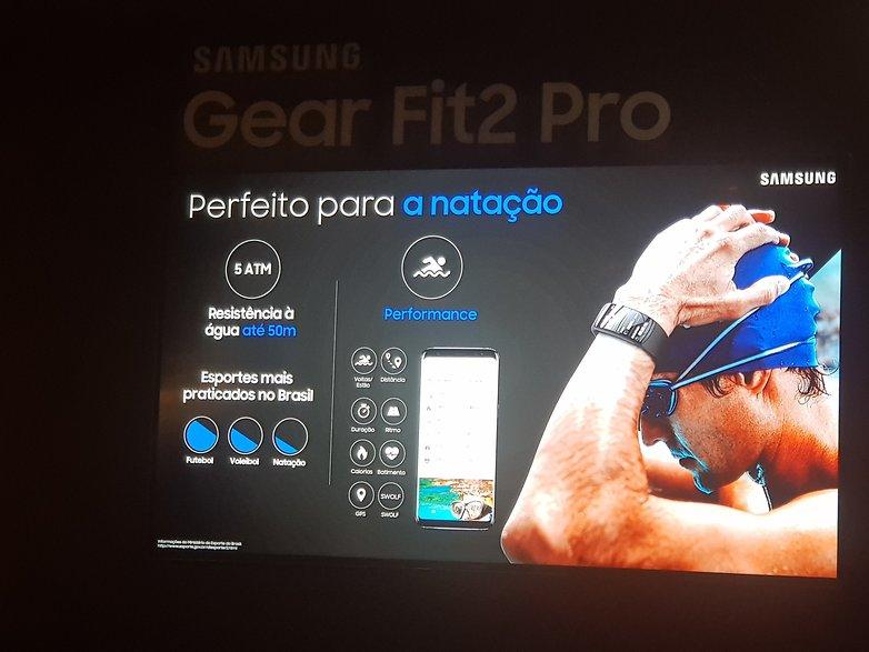07030439c Hands-on da Gear Fit2 Pro  uma pulseira inteligente para natação ...