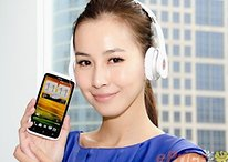 HTC One X Deluxe Edition con auriculares Beats