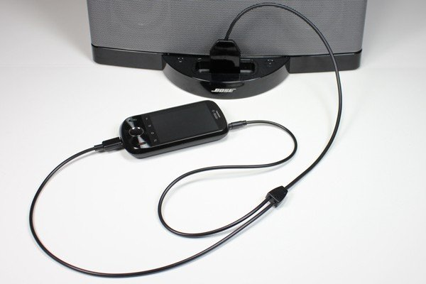 El cable adaptador dockboss para escuchar tu android en - Cable de altavoces ...