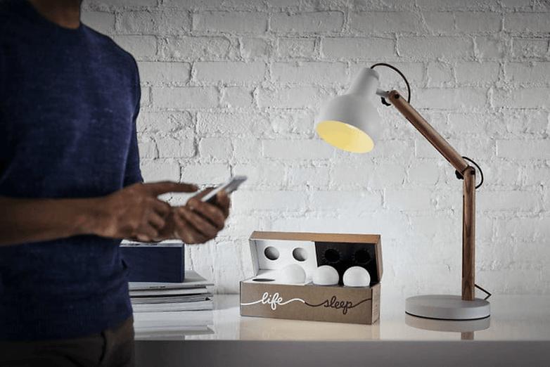 les meilleures ampoules connect es que vous pouvez acheter en 2018 androidpit. Black Bedroom Furniture Sets. Home Design Ideas