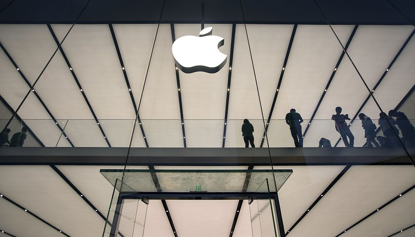 Face recognition fail: teen sues Apple after false arrest