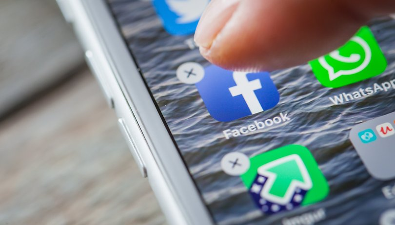 Facebook can't be deleted on some Samsung phones