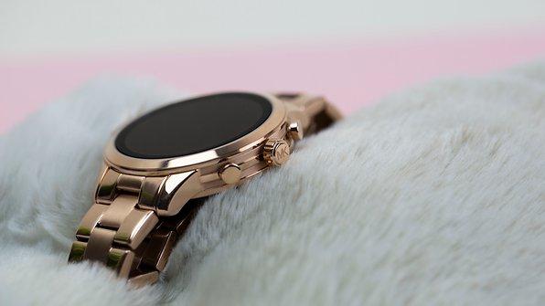 d64f97d17b343 Michael Kors Access im Test  Fashion-Smartwatch fehlt die Ausdauer ...