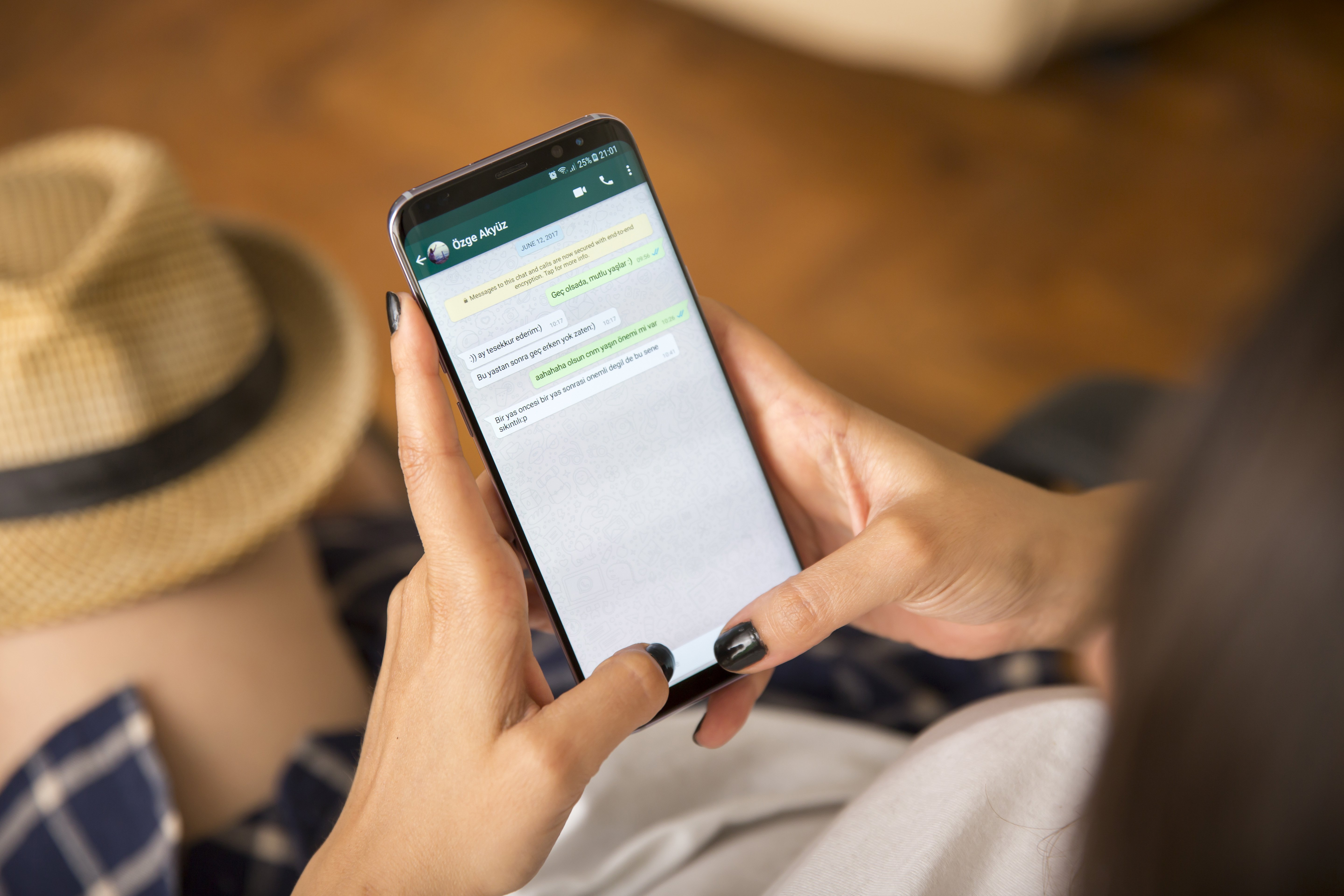 How to hide WhatsApp chats (and restore them when needed), Next TGP