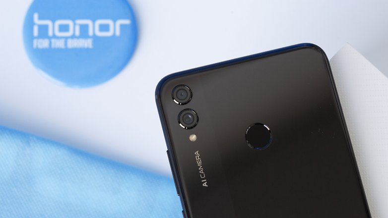 Honor 8X review: well-disguised economy in phablet form