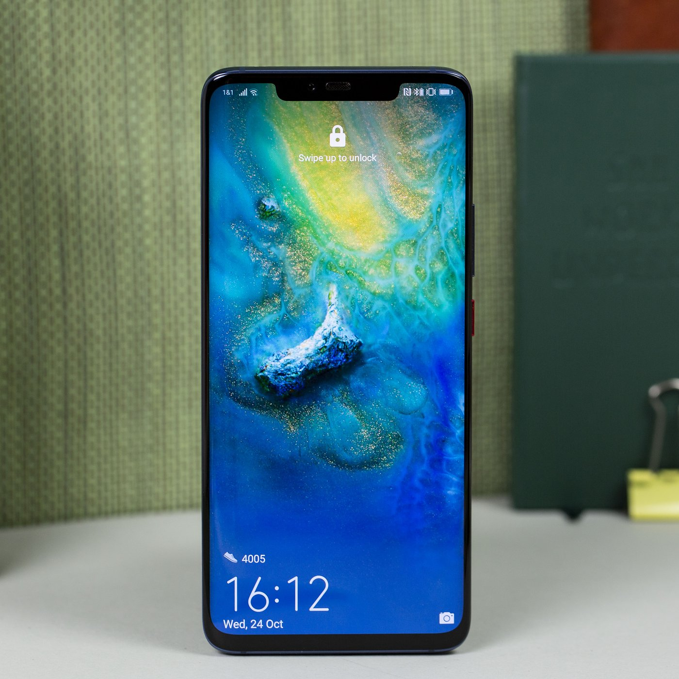 Gluegate Display Issue Could Stain Mate 20 Pro S Reputation