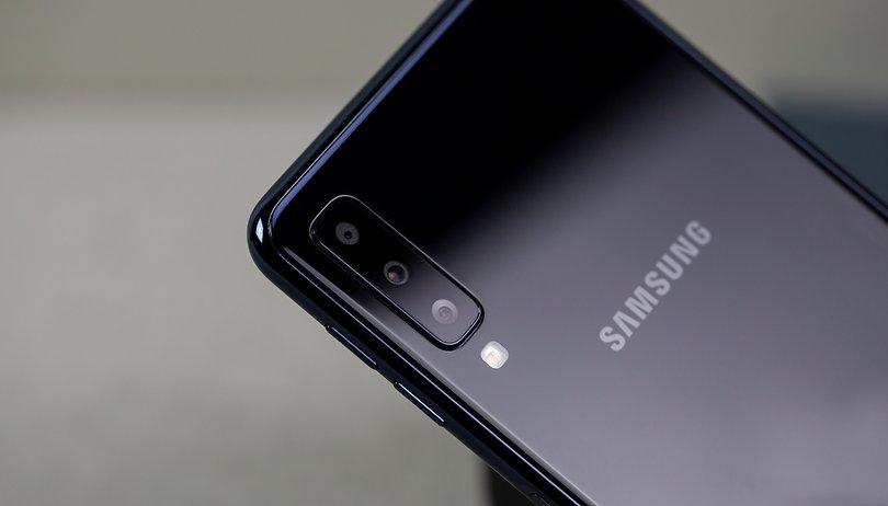 Galaxy A7 com três câmeras na traseira chega ao Brasil por R$ 2.199