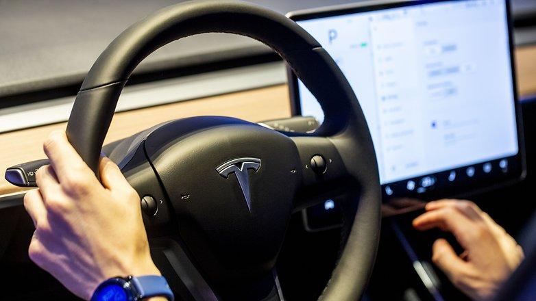 Tesla 3 car 09
