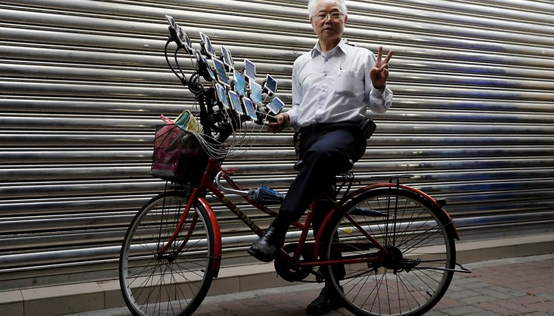 Pokémon Go pro: this grandpa uses 15 phones to catch em all