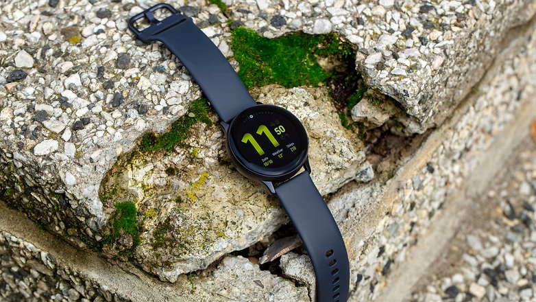 AndroidPIT Samsung Galaxy Watch Active2 outdoors