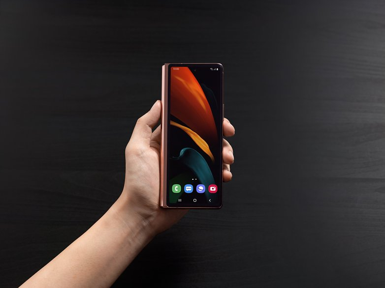 Samsung Galaxy Z Fold 2 The New Foldable Smartphone Costs 1 999 Nextpit