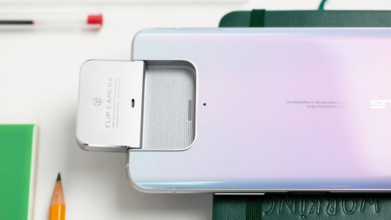 NextPit Asus Zenfrone 7 Pro flip camera