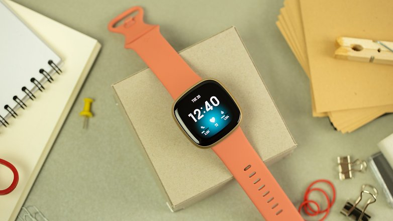 NextPit Fitbit Versa 3