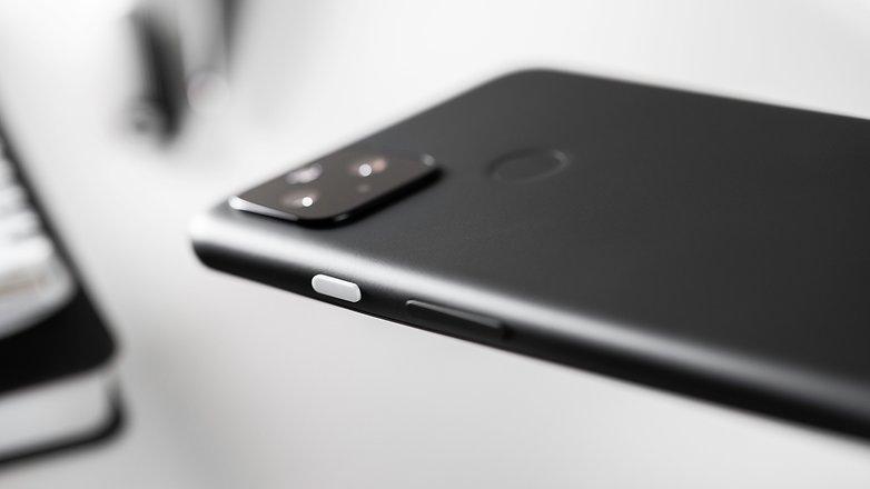 NextPit Google Pixel 4a 5G side