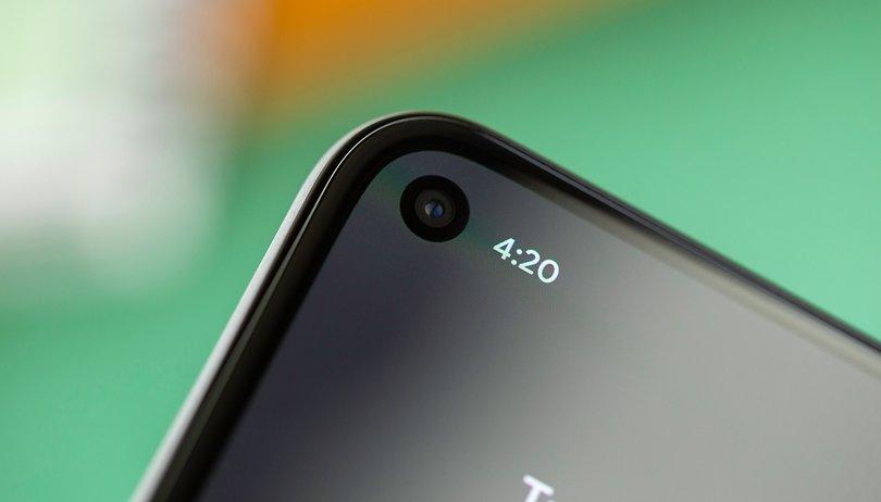 """Google Pixel 5: L'écran qui se décolle serait une """"feature"""", pas un défaut"""