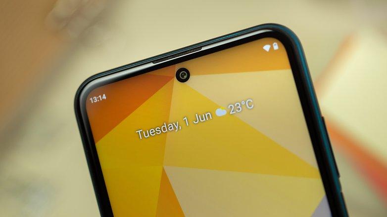 NextPit Nokia X20 front camera