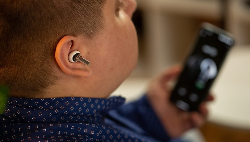 Nothing Ear (1) review: over-hyped marketing for a normal product