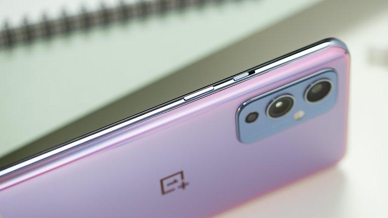 NextPit OnePlus 9 side