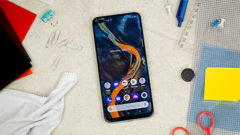 AndroidPIT Realme X3 front