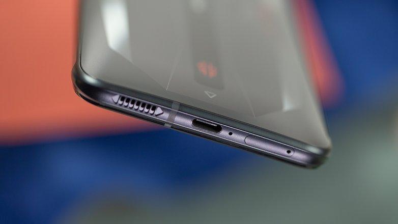 NextPit RedMagic 6 battery USB