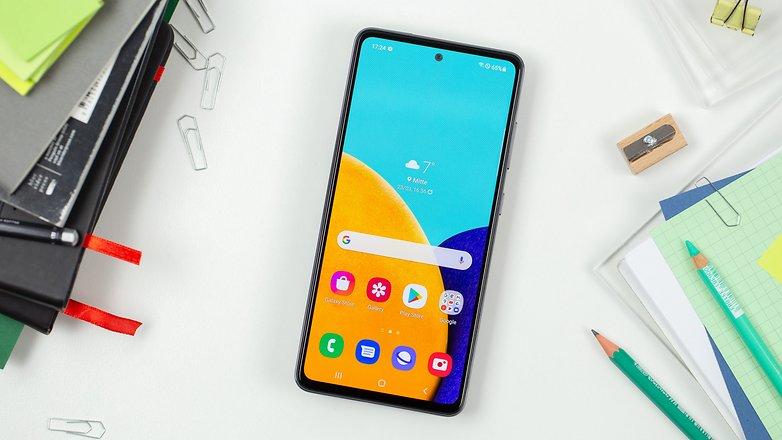 NextPit Samsung Galaxy A52 display