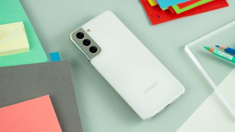 NextPit Samsung Galaxy S21 5G back