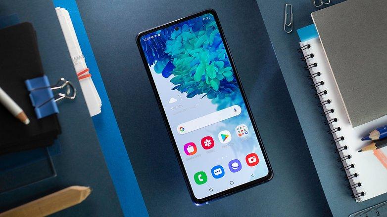 NextPit Samsung S20 FE 5G screen