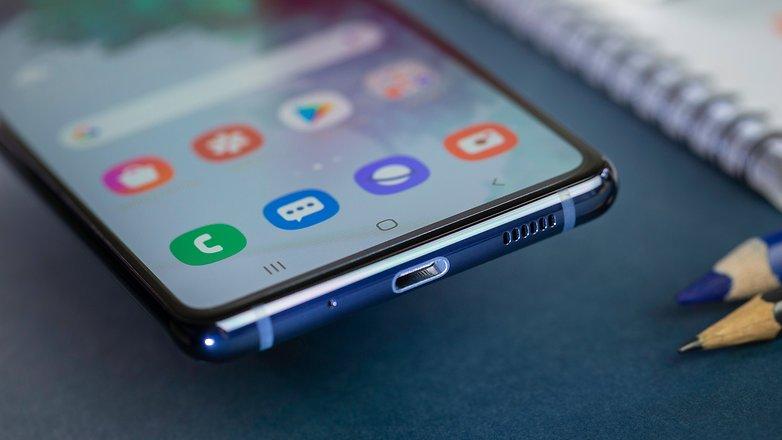 NextPit Samsung S20 FE 5G usb
