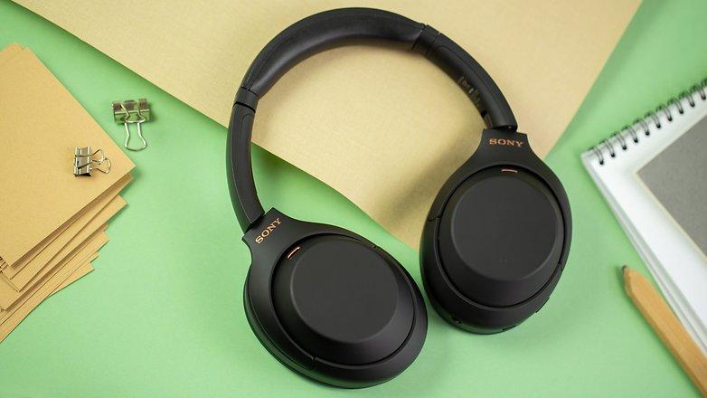 NextPit Sony WH 1000XM4 headphones