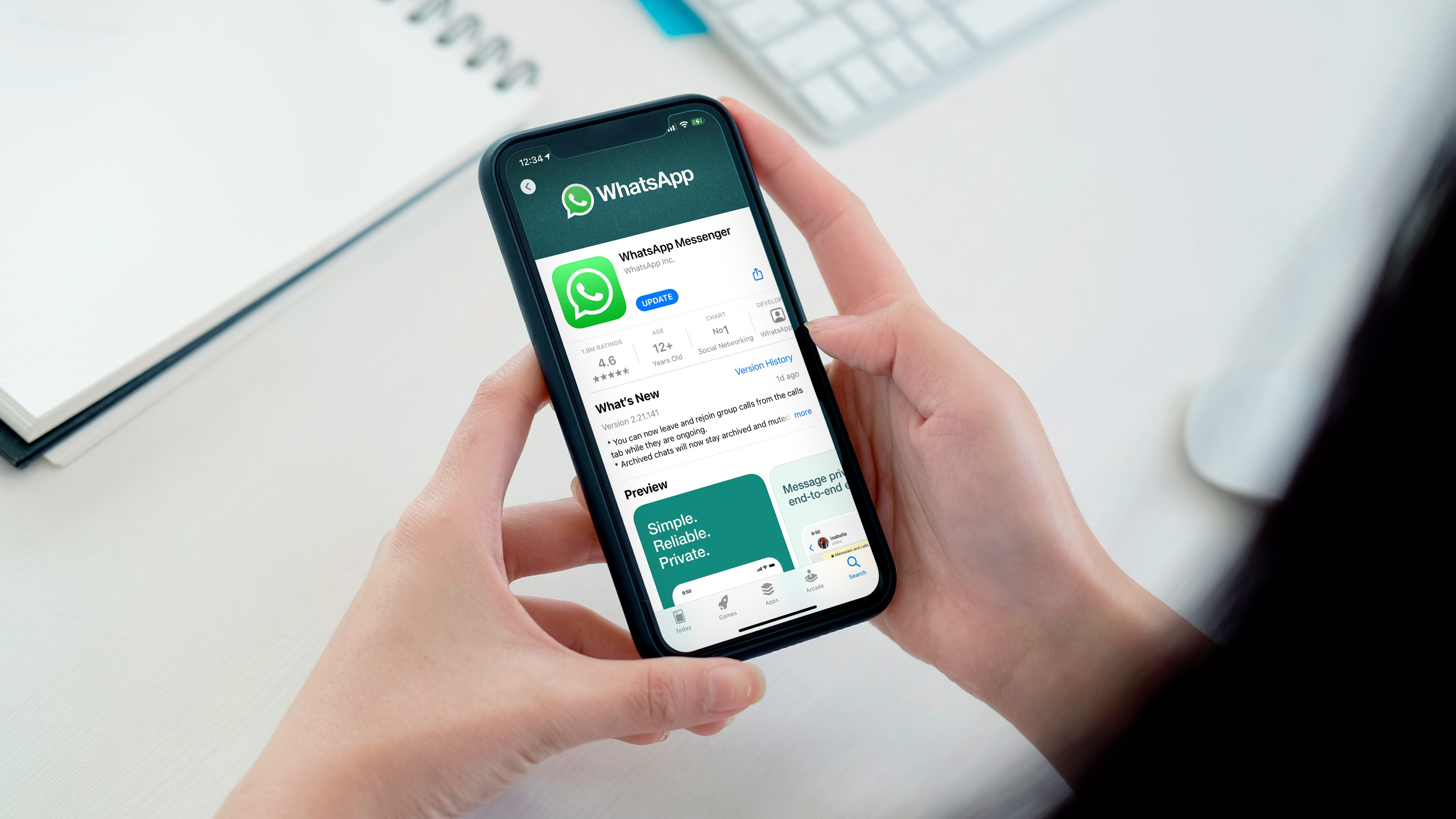 Advertising in WhatsApp: AI to analyze encrypted messages?