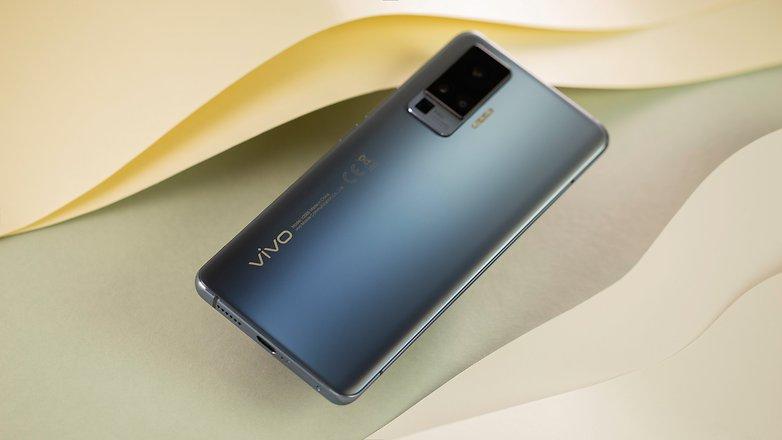 NextPit Vivo X51 back