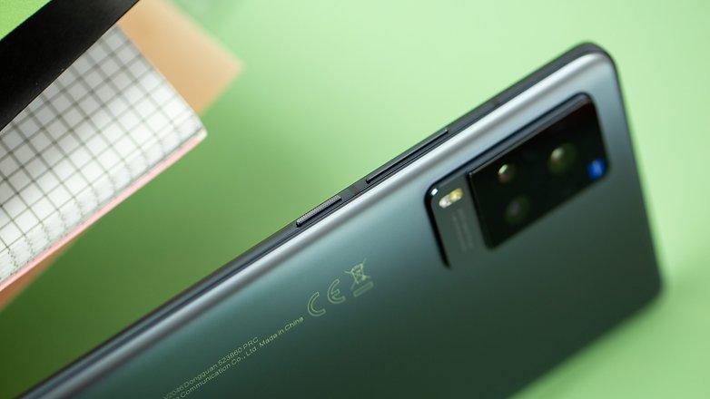 NextPit Vivo X60 Pro 5G side