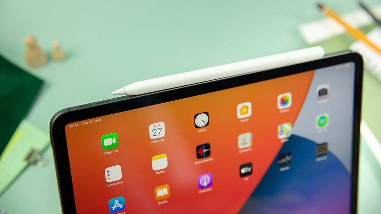 NextPit Apple iPad Pro 2021 pencil magnet