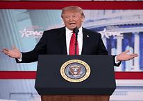 Trump e apoiadores já foram banidos de mais de 10 redes; entenda