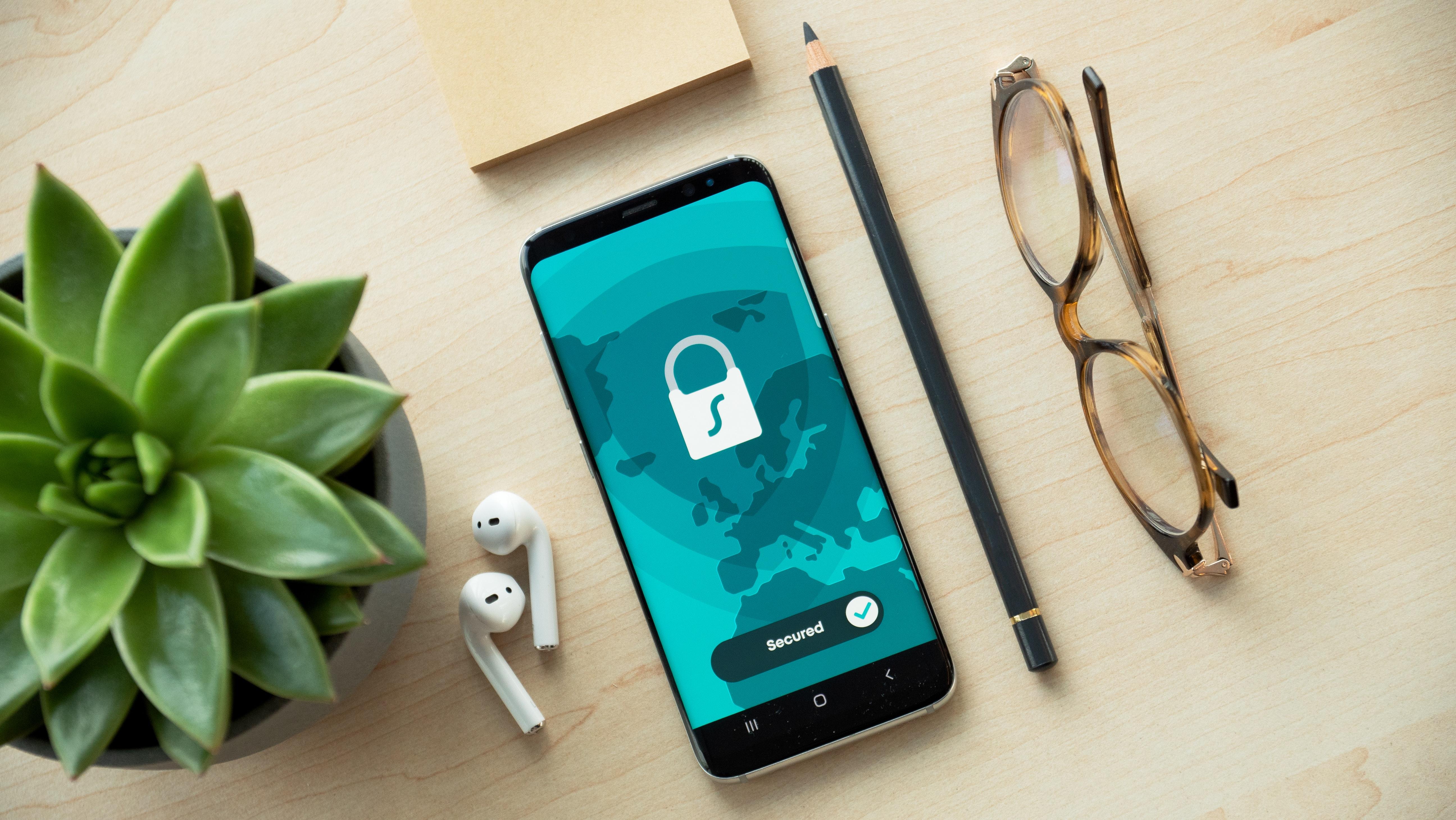 Enquete da semana: você pagaria por privacidade em apps e redes sociais?