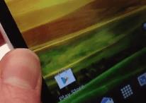 [Vidéo] HTC One X : Trop flexible l'écran ?