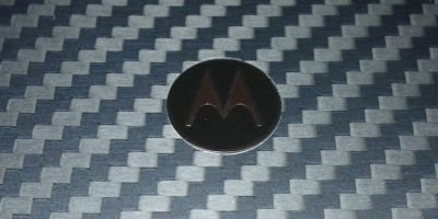 Motorola RAZR kevlar coating close-up