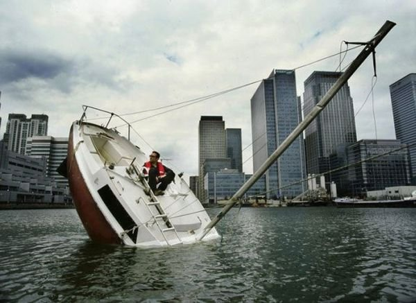 http://lh6.ggpht.com/__zoKJ77EvEc/S7R6SCaRyjI/AAAAAAAADSo/jh7Rwh5gxLY/sinking-boat%20(5)%5B2%5D.jpg