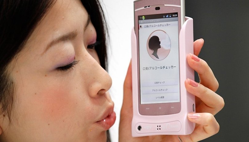 [Video] New Japanese Bad Breath, Body Fat and Food Analyzers In Hands-On Demo